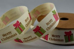 CR Ribbon: Cream Cotton Ribbon with Merry Christmas & Presents 20mm